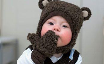 Чи можна цілувати дитину в губи