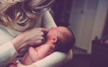 коліки у новонароджених, що робити