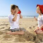 З якого віку можна брати дитину на море? Все про відпочинок з дітьми