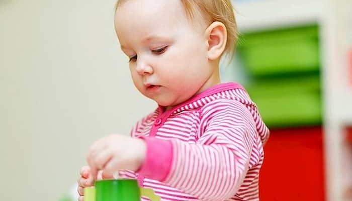 Все про правильний розвиток дитини в 1 рік і 3 місяці