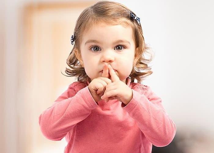 чому дитина не говорить