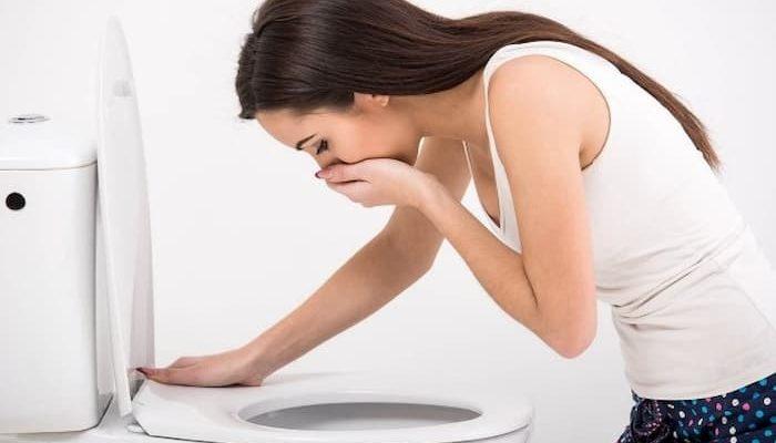 чому нудить при вагітності