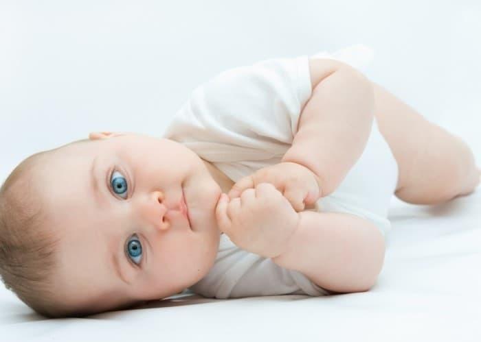 Які підгузники обрати для немовлят?